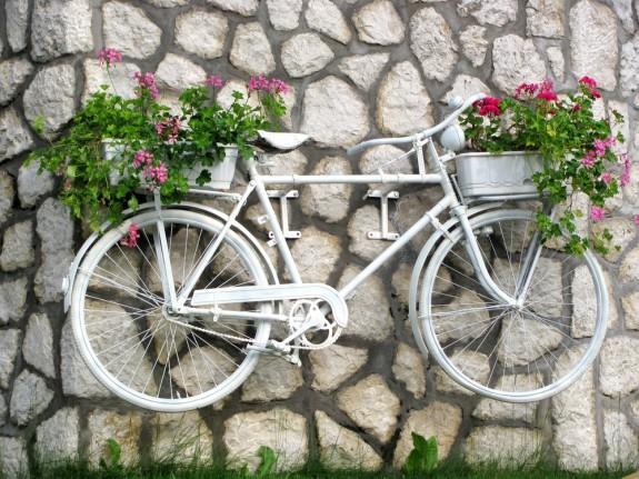 Ιδέες για γλάστρες με παλιά ποδήλατα20