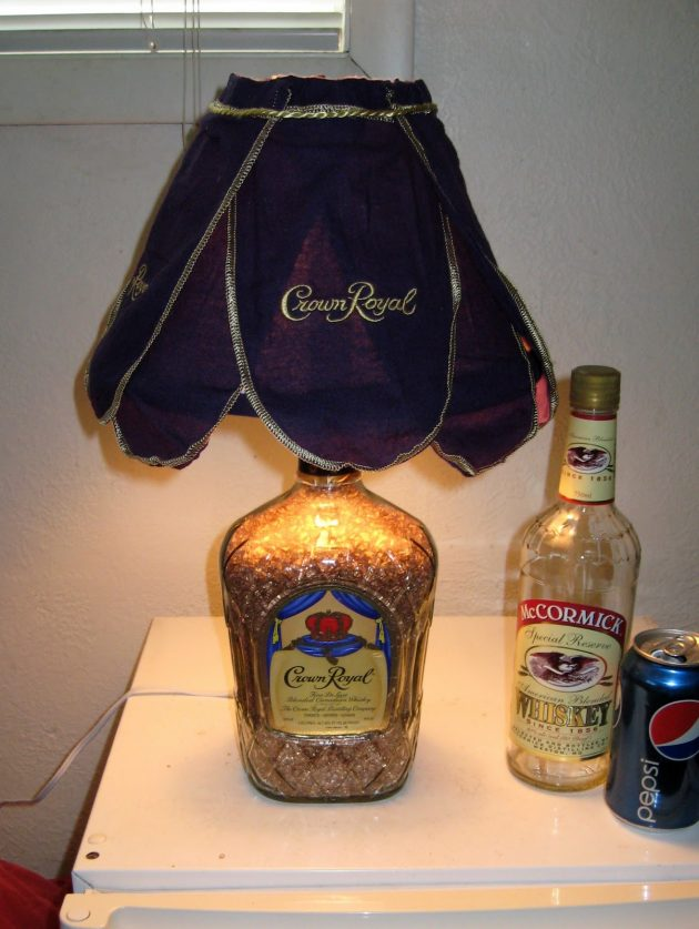 παλιά γυάλινα μπουκάλια σε απίθανα φωτιστικά5