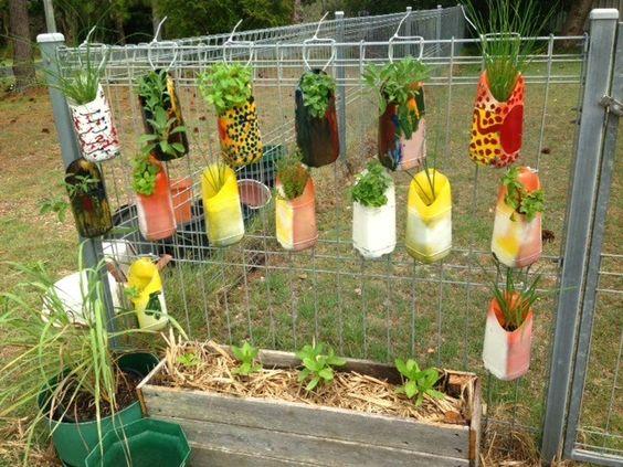 DIY γλάστρες από πλαστικά μπουκάλια6