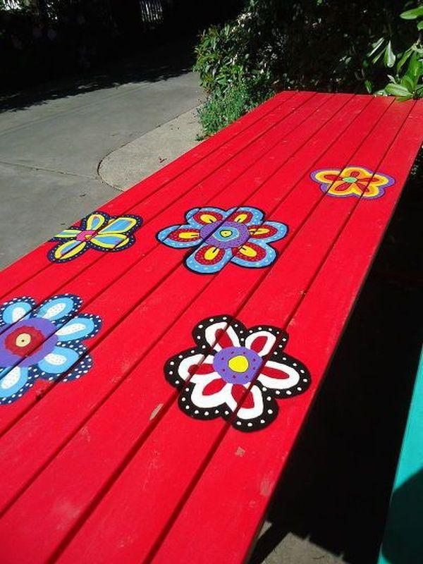 ζωγραφισμένα τραπέζια για τον κήπο1