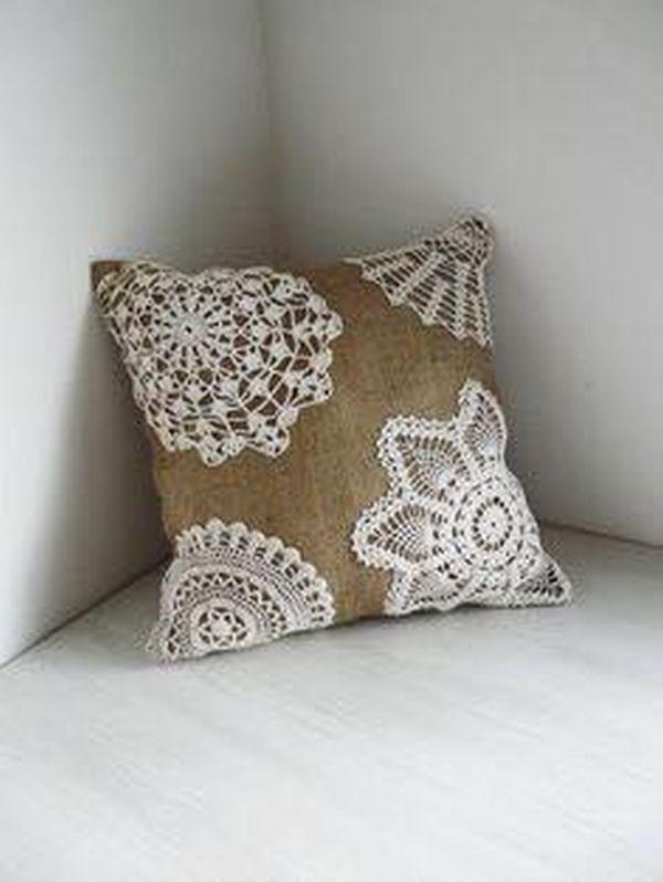 μαξιλάρια από λινάτσα και δαντέλα5