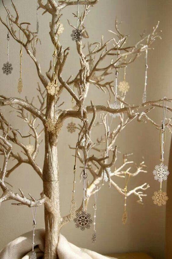 Χριστουγεννιάτικο δέντρο από κλαδιά24