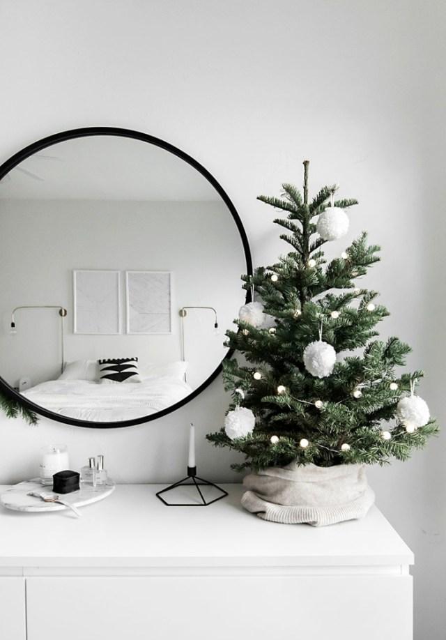 χριστουγεννιάτικη διακόσμηση σε άσπρο - μαύρο27