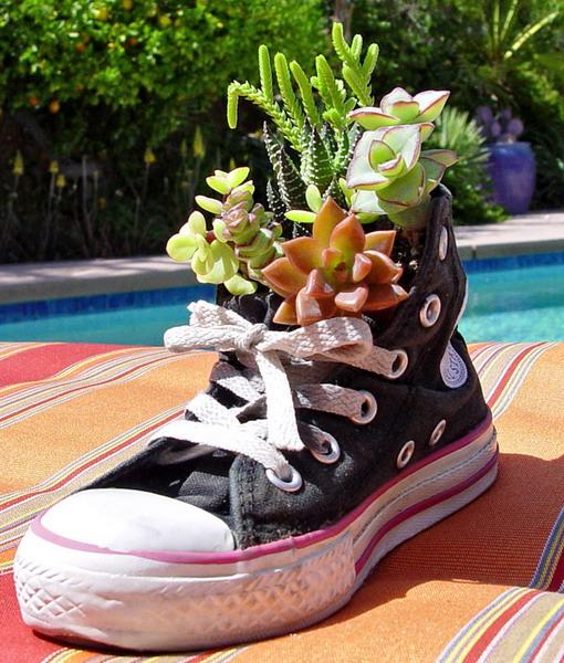 γλαστρες από παλιά παπούτσια3