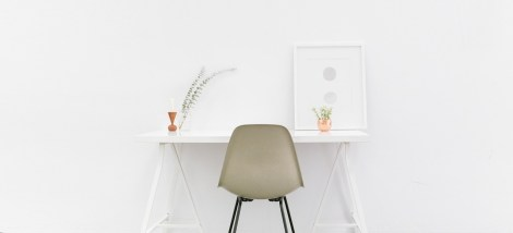 desk-1081708_1280