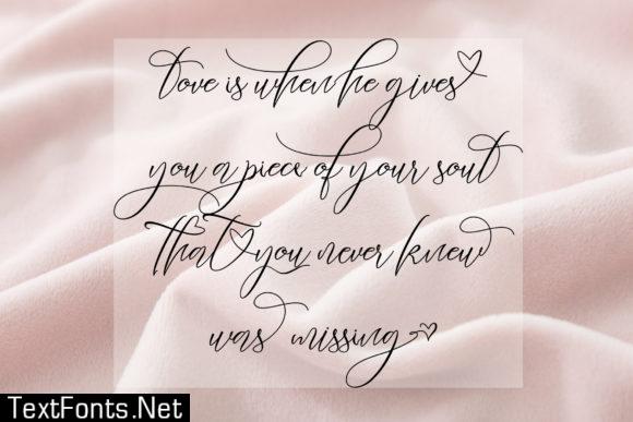 Heartkything Script Font
