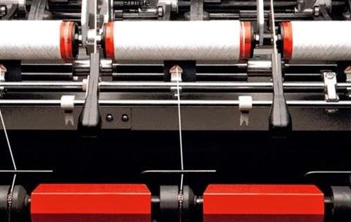 Reciprocating yarn guide