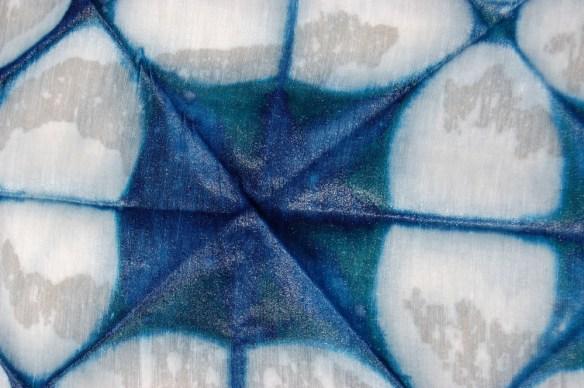 indigo-itajime-on-bamboo-silk-fabric shiborigirl.wordpress.com
