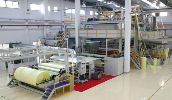 Non-woven fabric processing machine