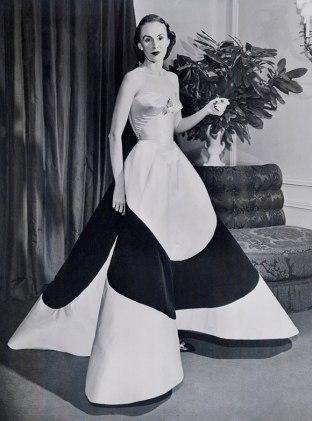 5.AustineHearstCloverLeafGownca.1953