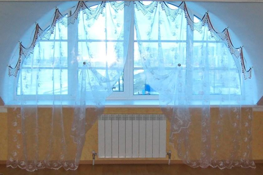 Дизайн штор в нестандартних вікнах