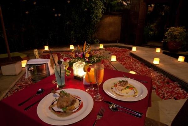 Что подарить мужу на первую годовщину свадьбы? Вариантов немало
