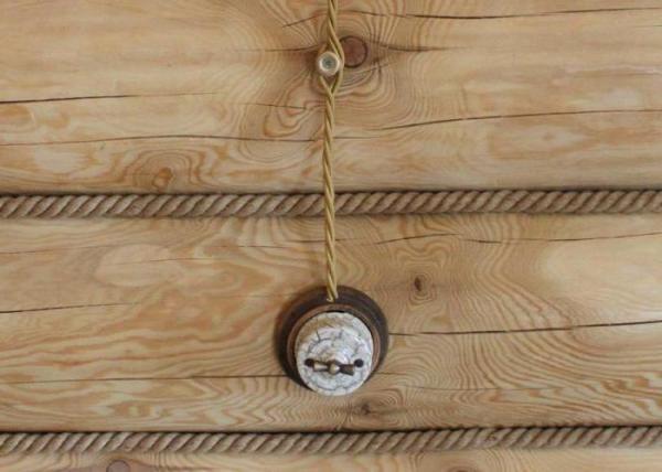 Правила прокладки кабеля в деревянном доме
