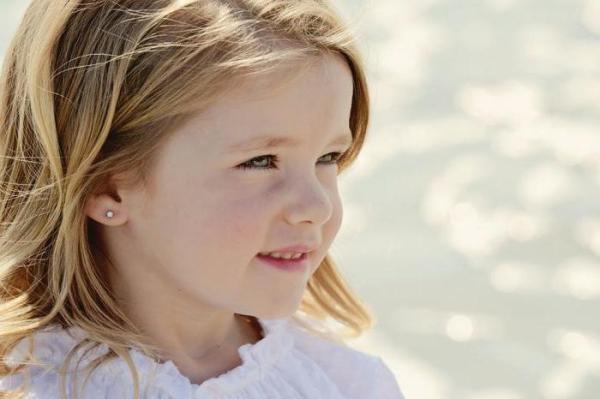 Проколоть уши в Москве ребенку: адреса, отзывы. Серьги для пирсинга ушей