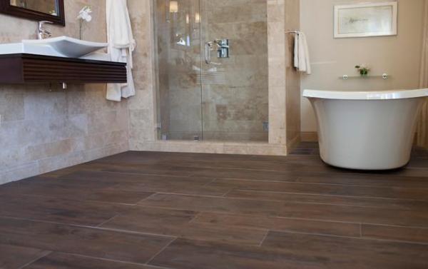 Плитка под дерево для ванной: фото, дизайн