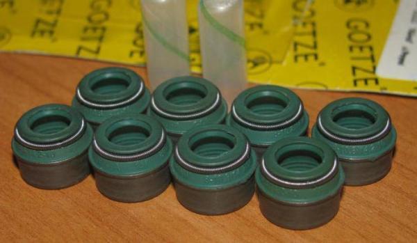 Замена маслосъемных колпачков ВАЗ-2106 своими руками: инструкция для ремонта