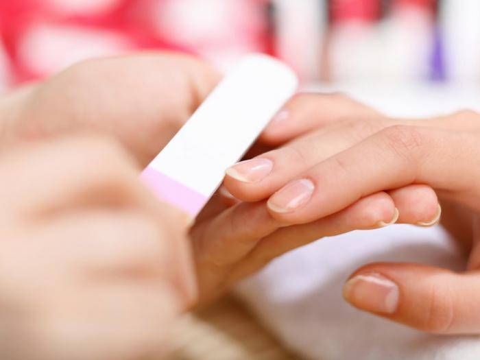 Хотите, чтобы ваш маникюр держался дольше? Эти 11 советов вам помогут