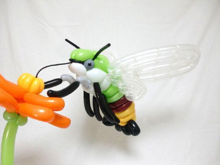 Невероятное мастерство: японский художник создает потрясающих животных из воздушных шариков