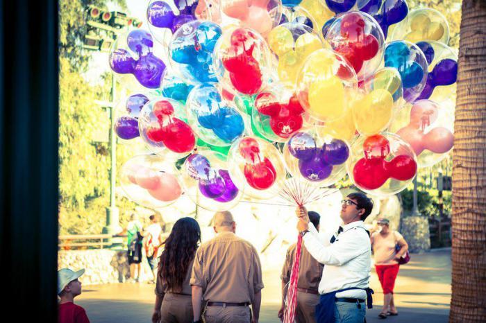 Отдых в Диснейленде: 17 способов сэкономить деньги