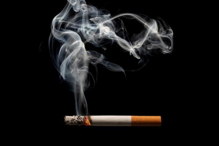 В Швеции билборд начинает кашлять при появлении курильщика