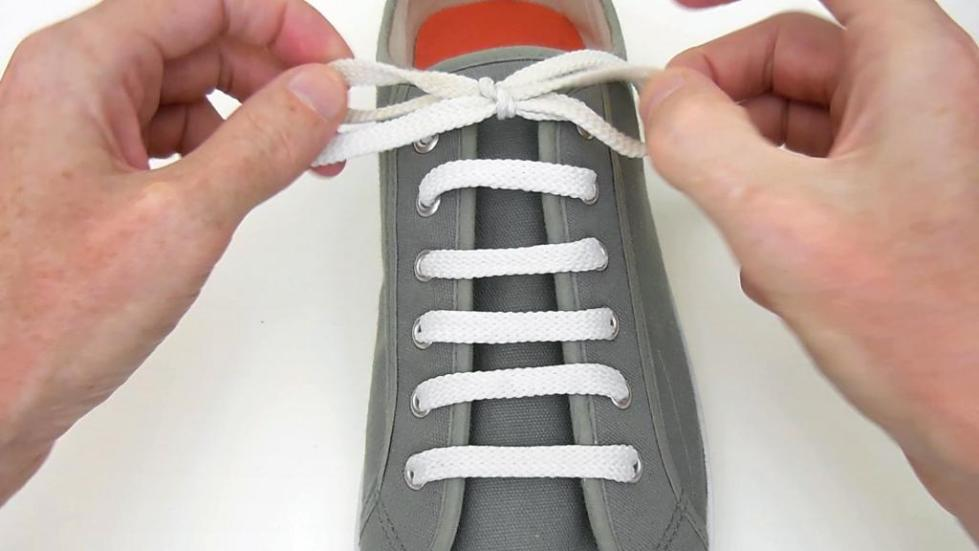 Красиво завязать шнурки фото