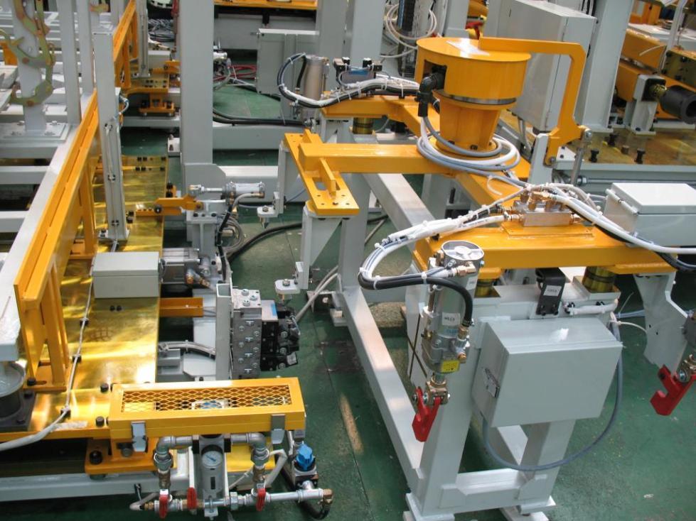 Завод с роботами