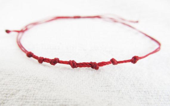 браслет с красной нитью своими руками