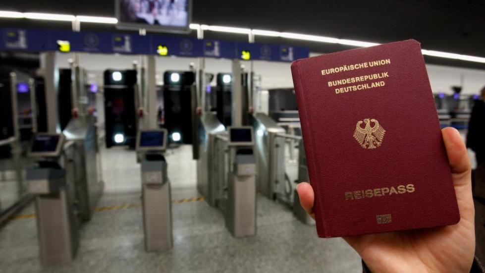 немецкий паспорт образец