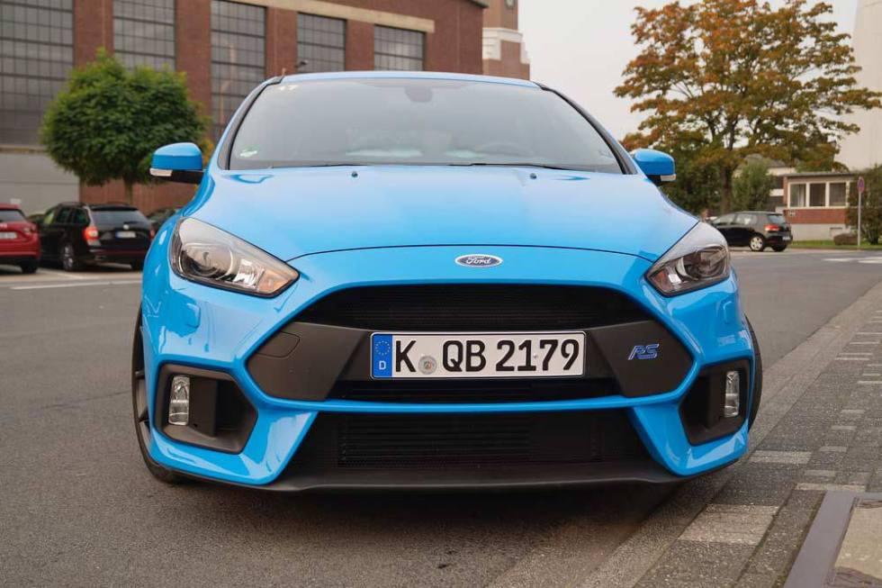 """Синий """"Форд"""""""