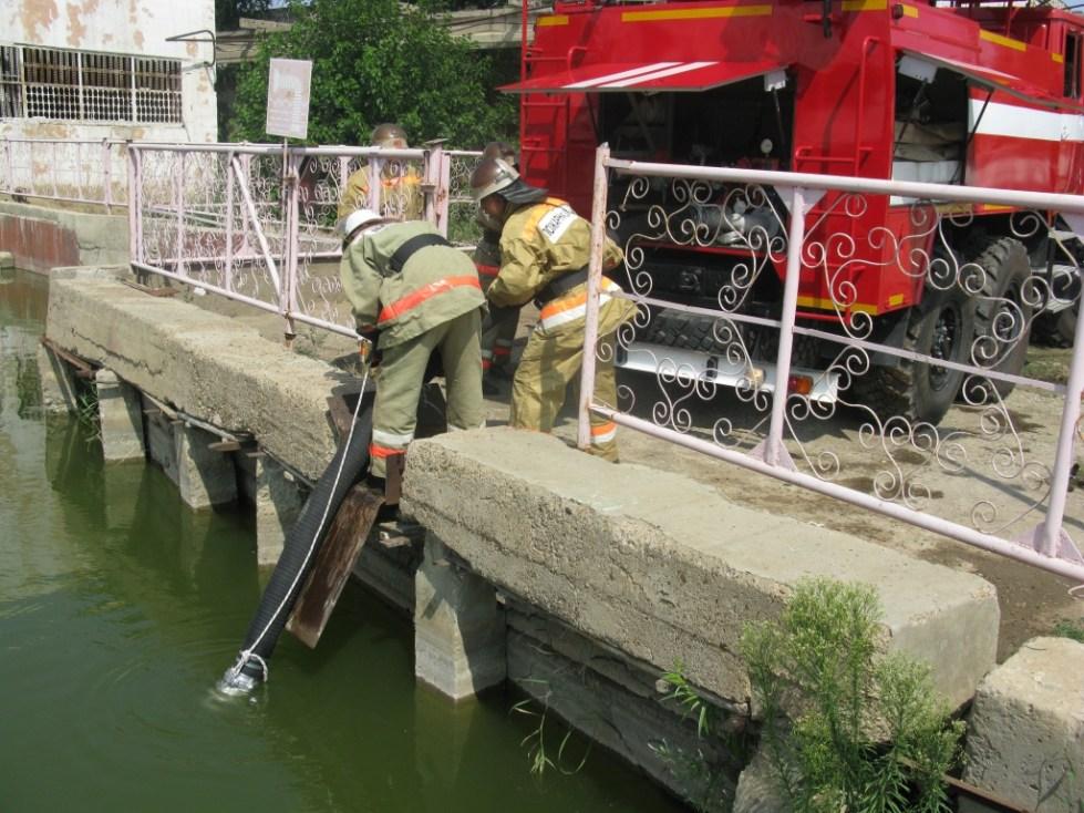 Забор воды из пожарного водоема