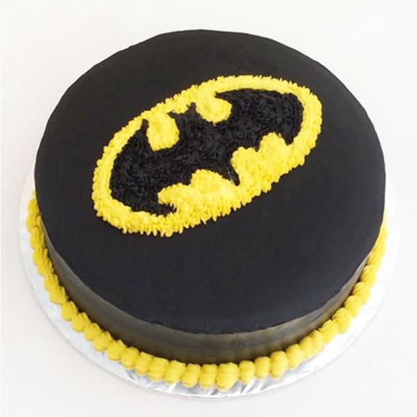 Торт с рисунком Бэтмена