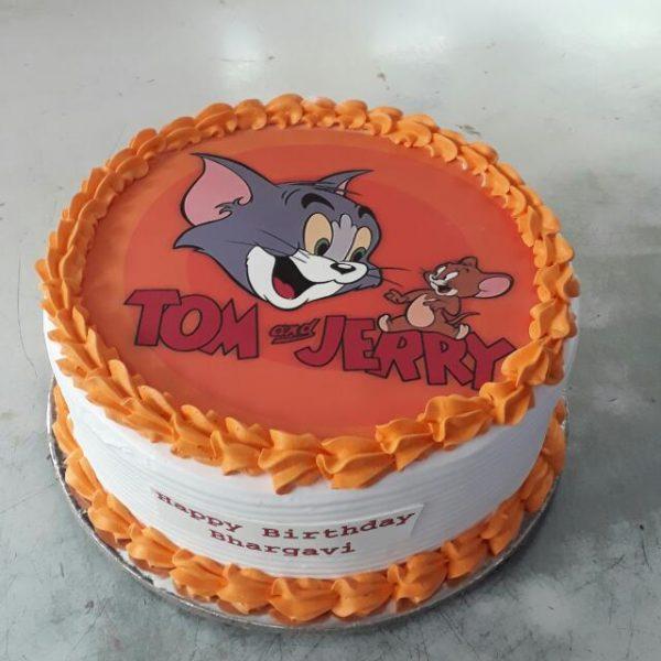 Торт с мультфильмом