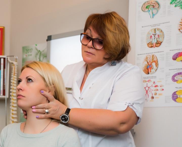 Елена Аркадьевна Лисина с пациенткой