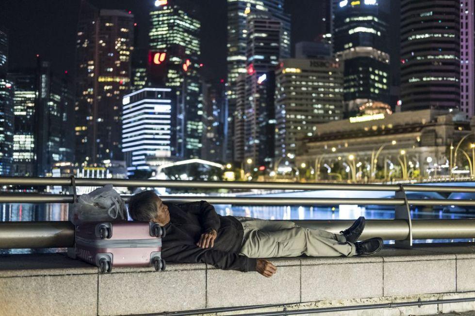 Бездомный в центре города