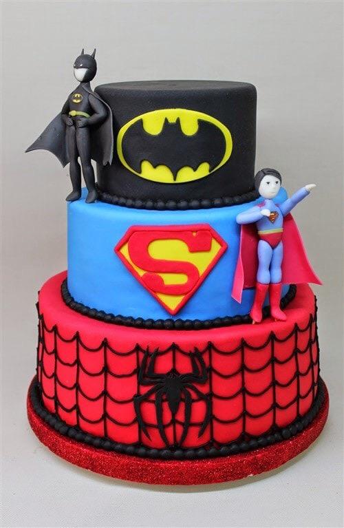 Торт с супергероями
