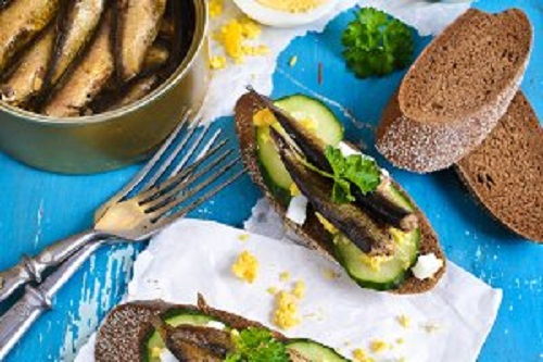 Бутерброды со шпротой