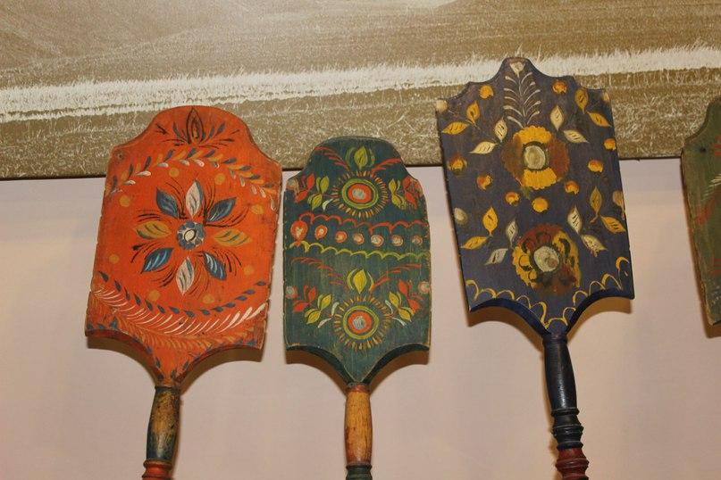 старинные прялки с обвинской росписью