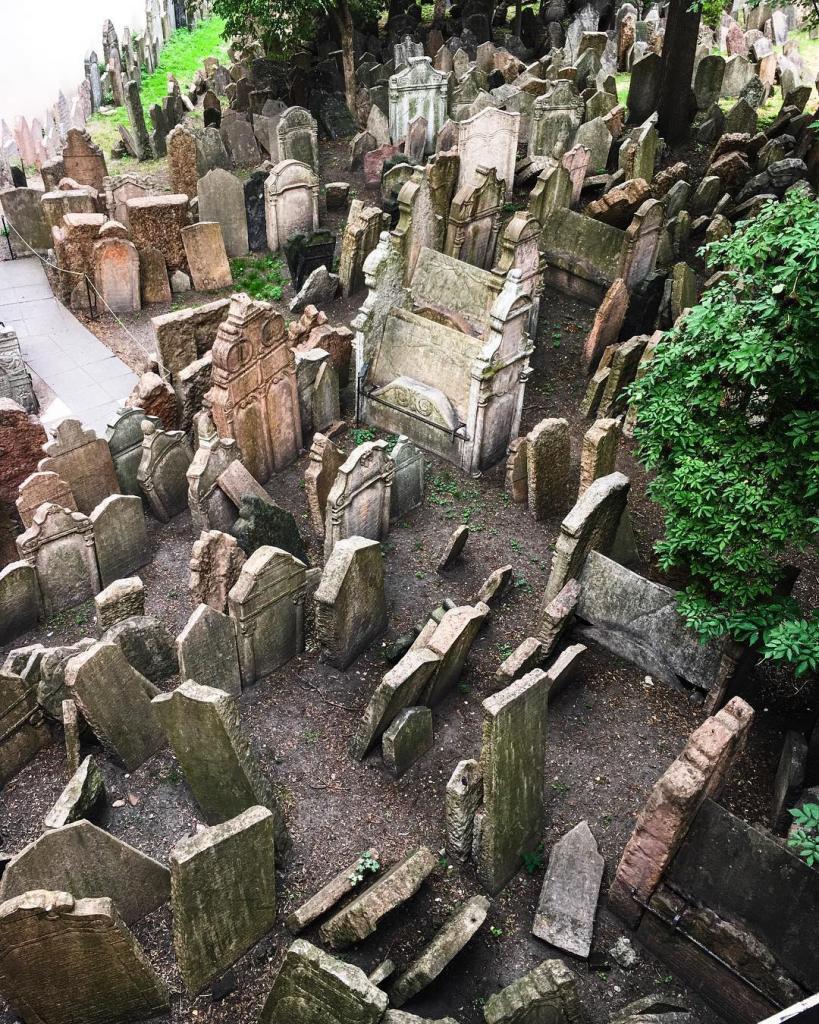 старое еврейское кладбище в чехии
