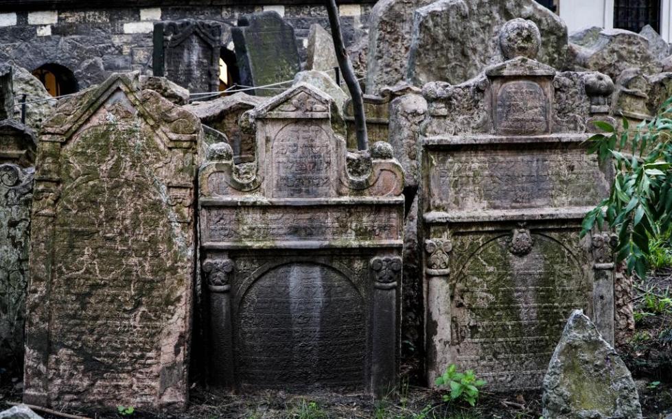 старое еврейское кладбище в праге чехия