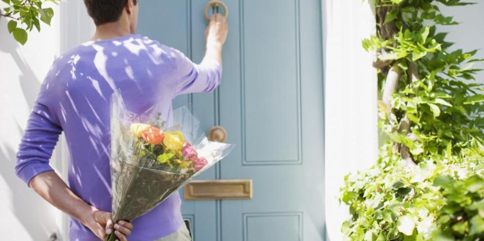 Что делать если мужчина не дарит цветы