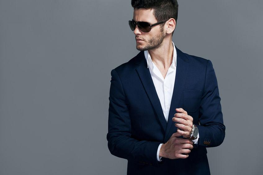 Привлекательный мужчина