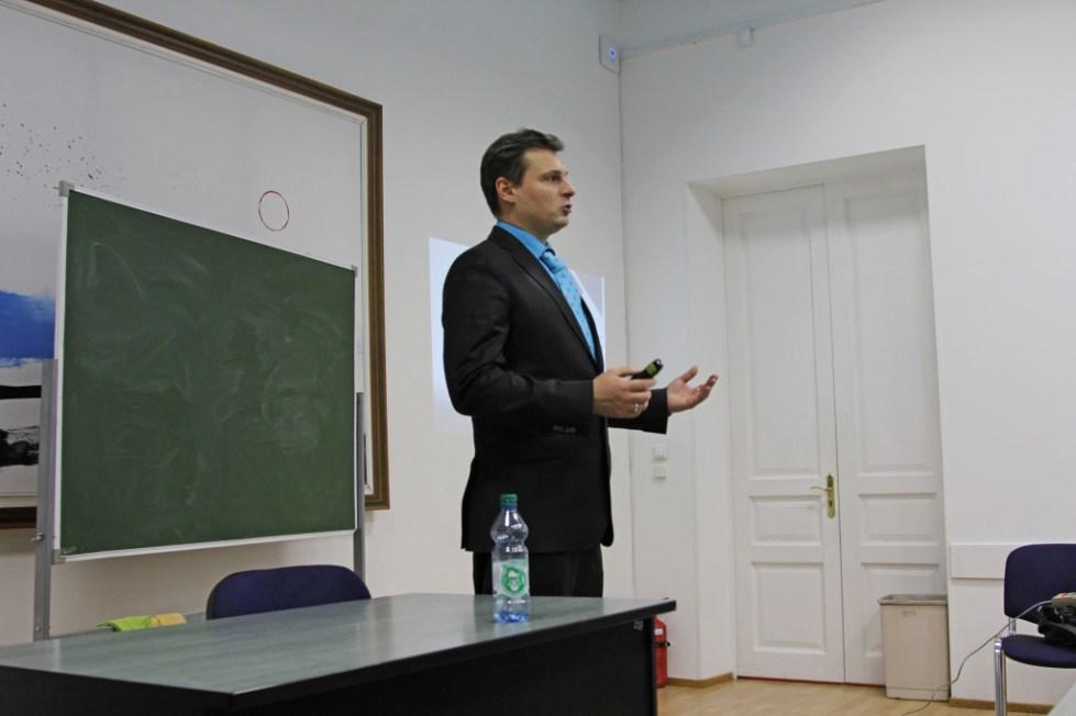 Колпак Дмитрий специалист