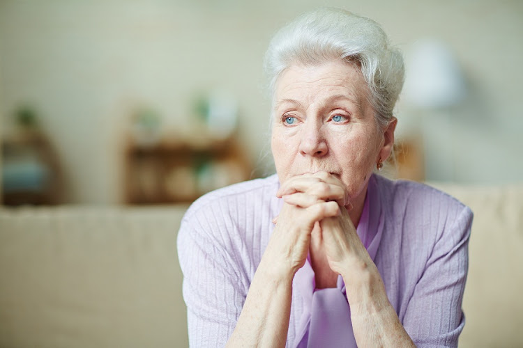 женщина на пенсии ищет работу