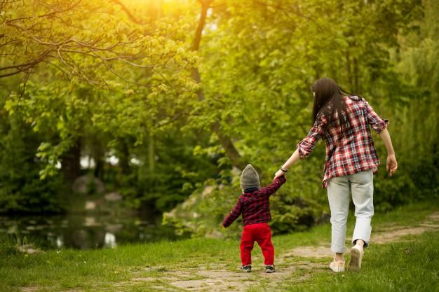 вывести ребенка на прогулку
