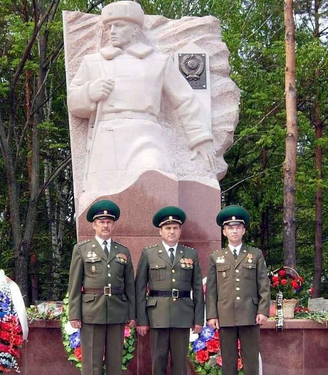 Памятник пограничникам, погибшим в бою на о. Даманский