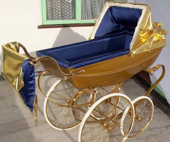 Золотая коляска