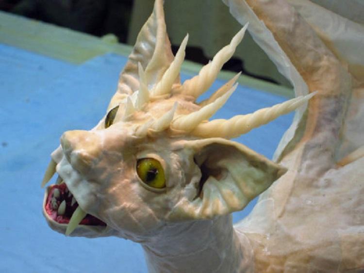 Дракон из папье-маше