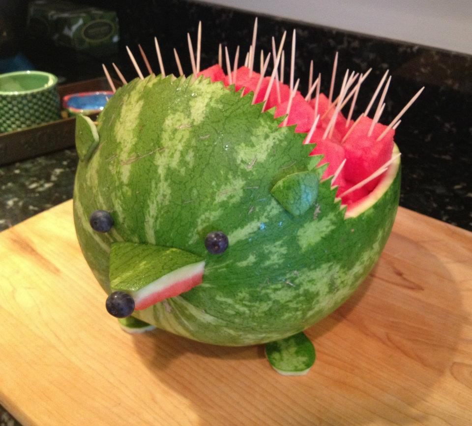 необычный фруктовый еж