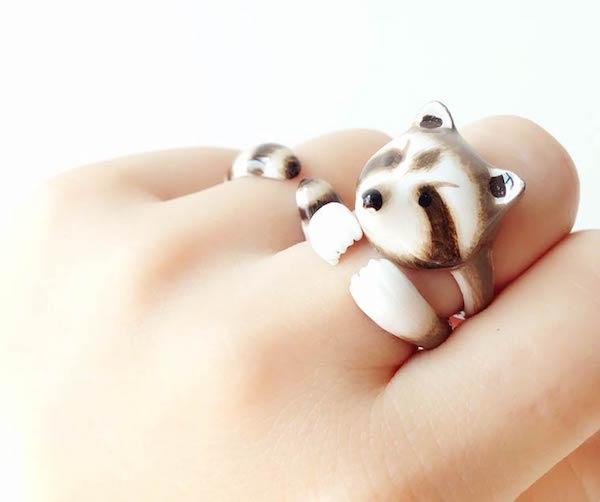 Составное кольцо на пальце