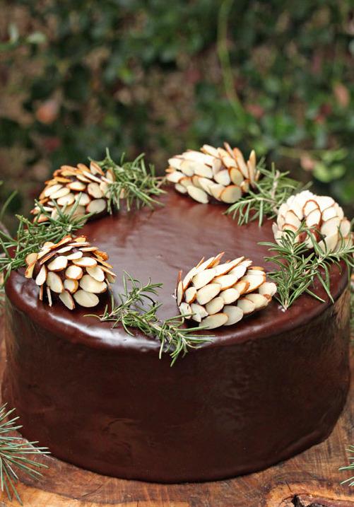 Вариант шоколадного торта к новогоднему столу.